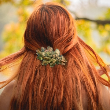 Hairclip - oak leaf