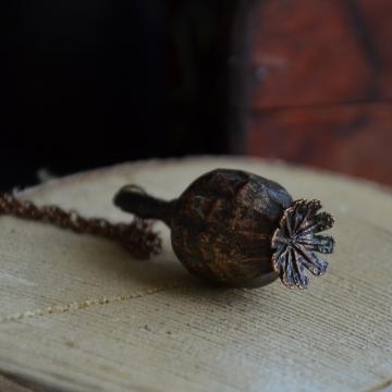 Plated poppyhead - pendant