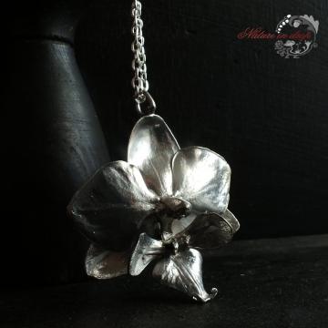 Postříbřená orchidej - přívěsek
