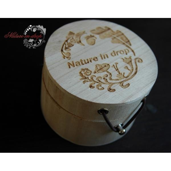 Dřevěná krabice s logo