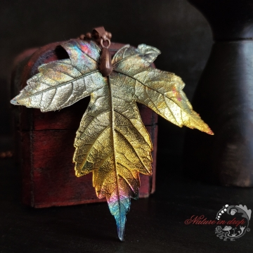 Maple leaf in copper